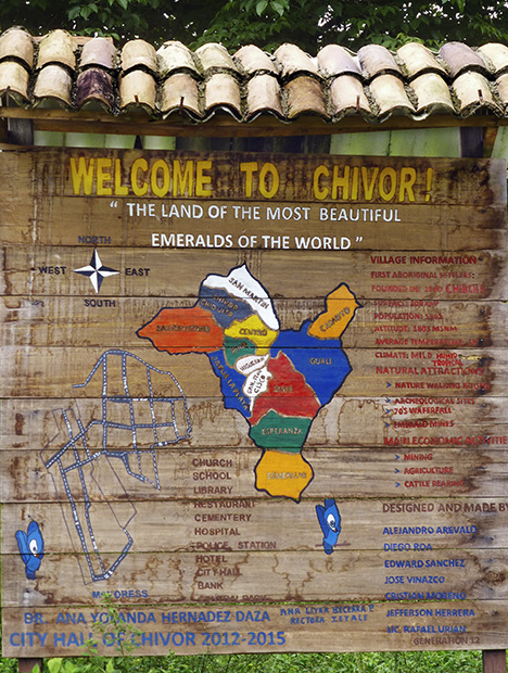 Sign welcoming visitors to the town of Chivor