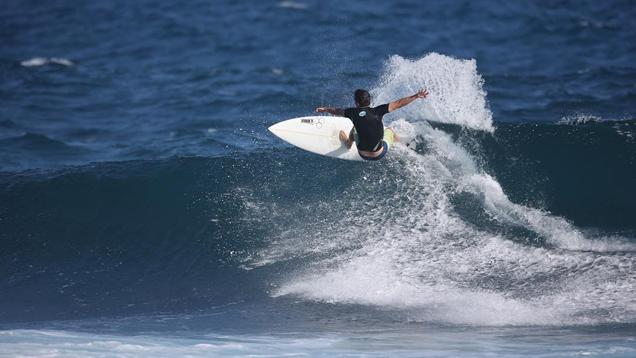 Sean Dunn Surfing