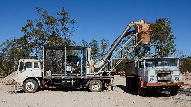 The giant vacuum at Lightning Ridge