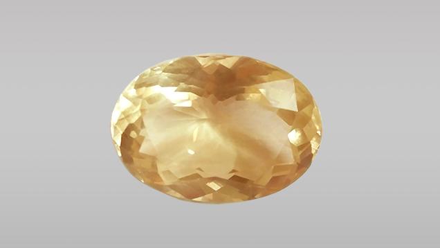4.6 克拉的刻面椭圆形赛黄晶