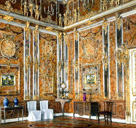 Color photograph of the original Amber Room