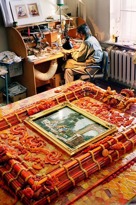 Craftsman in the Tsarskoye Selo Amber Workshop