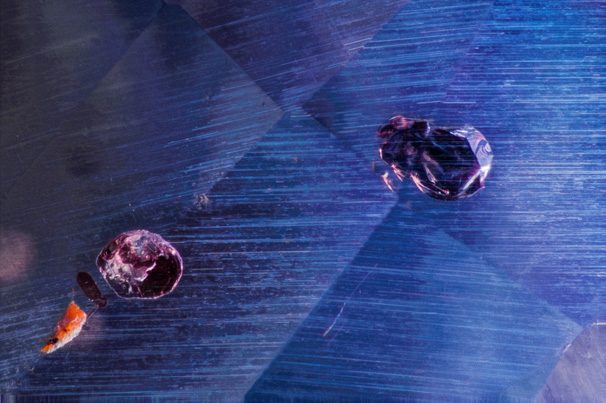 Silk and phlogopite mica inclusions