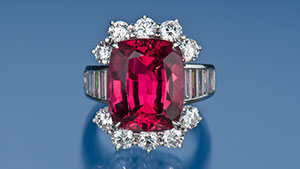 Pink to Red Spinel Ring