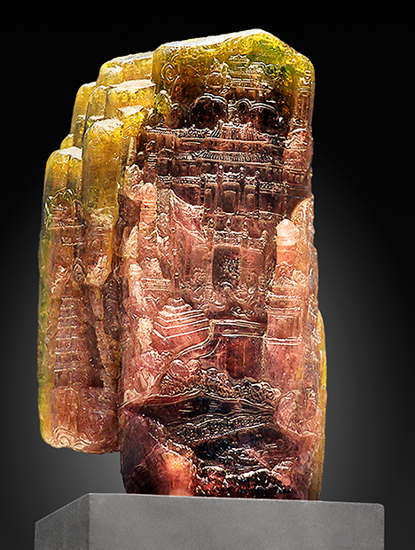 Hue Palace statue carved from Luc Yen tourmaline