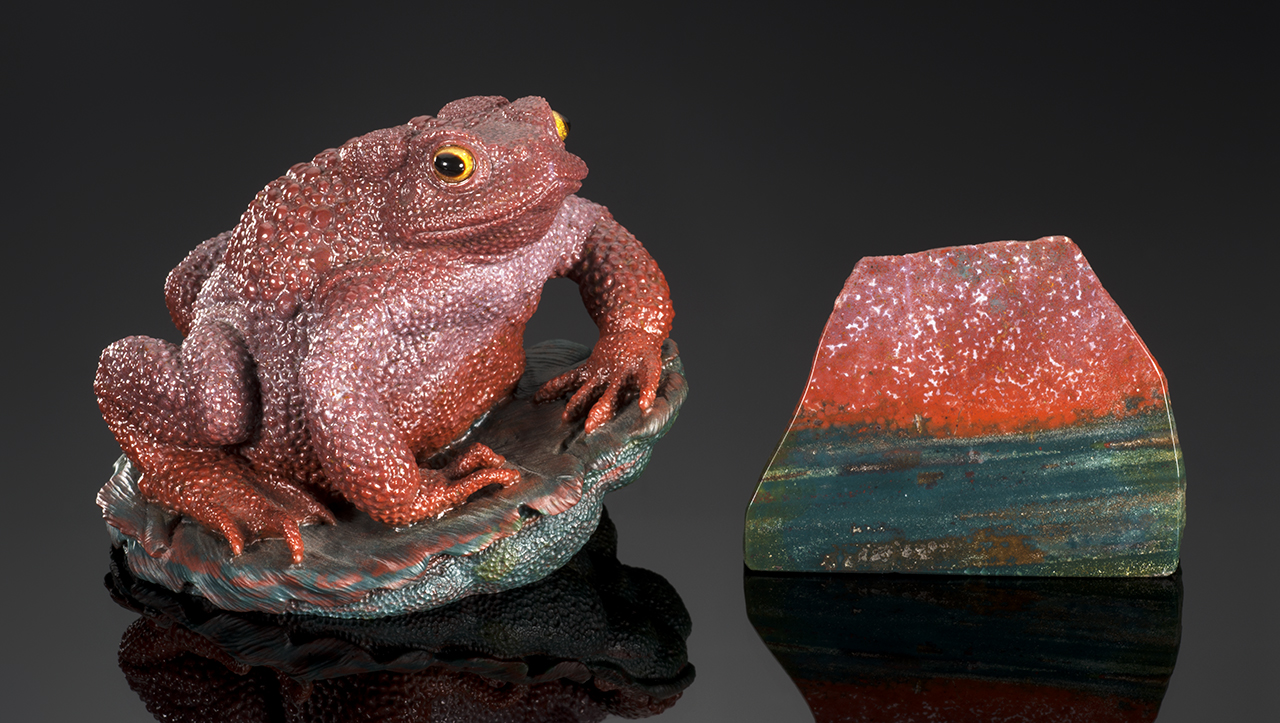 Gerd Dreher toad carved from jasper with color banding